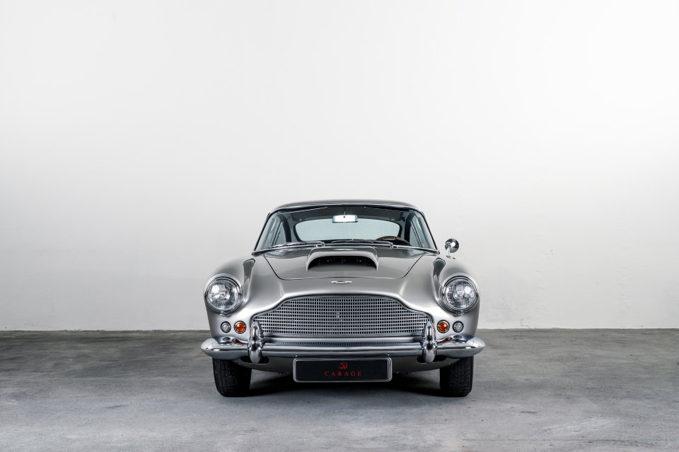 Aston Martin DB4 S1 Silver Birch